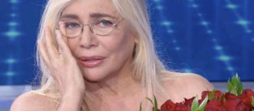 Mara Venier criticata per l'abbraccio a Power, consigliere Rai Laganà: 'Inaccettabile'