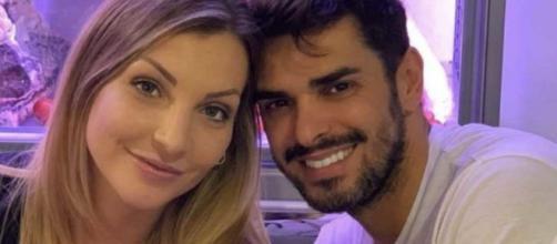 Uomini e Donne, Tara annuncia la crisi col marito Cristian: 'Non sto bene, brutto periodo'.