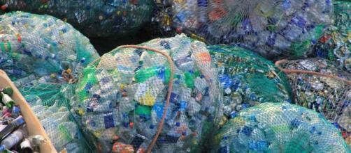 En 2021 se pagará un impuesto al uso del plástico