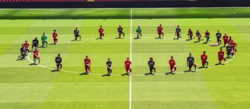 Les joueurs de Liverpool montrent leur soutien à George Floyd - petitesannoncesafrique.com