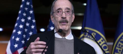 Hot Mic: Dem Congressman Begs To Speak At New York Press (Image via ABCNews/Youtube)