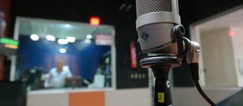 Incitación a la violencia religiosa y contra la mujer desde una radio