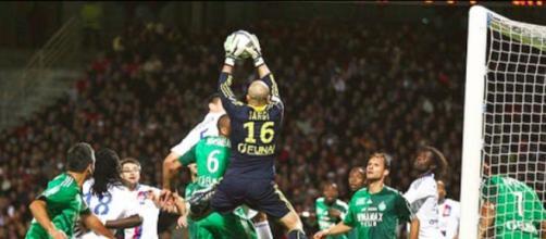 l'ancien gardien des verts Jérémie Janot clashe un supporter de Saint-Etienne et fait le buzz - photo compte Instagram et Twitter @jeremiejanot