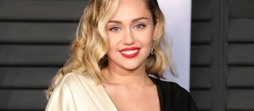 Miley Cyrus participa de protestos do Black Lives Matter em Los Angeles. (Arquivo Blasting News)