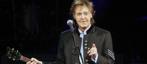 Sir Paul McCartney fans fuming as 'absolutely disgusting' touts ... - standard.co.uk