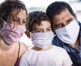 La OMS recomienda el uso de mascarillas de tela.