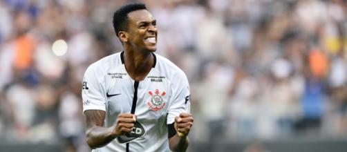 Corinthians tenta negociar retorno de Jô ao clube. (Arquivo Blasting News)