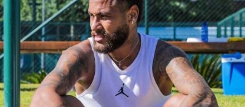 Em áudio, Neymar profere xingamentos para o namorado de sua mãe, Nadine Gonçalves, chamando Tiago Ramos de 'viadinho'. (Reprodução/Instagram)