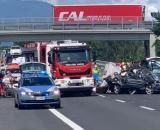 Arezzo, incidente in A1: perdono la vita neonata, sorellina e nonni, arrestato il papà.