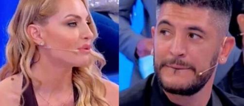 Uomini e Donne, Veronica attacca Armando e ammette: 'Potrei innamorarmi di Giovanni'.