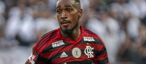 Vapo em Londres? Tottenham faz proposta, mas Flamengo recusa. (Arquivo Blasting News)