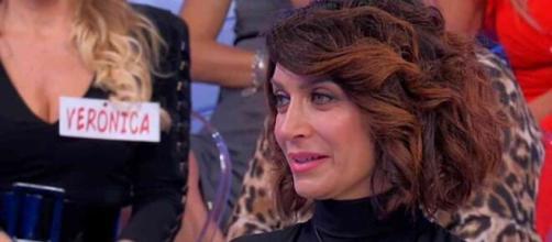 Barbara De Santi su Sirius: 'Da quando in qua la redazione consiglia i calzini?'.