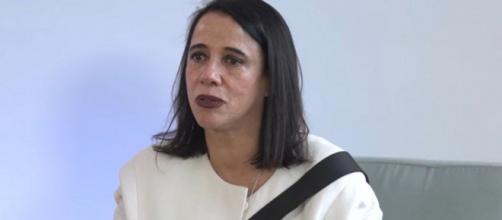 Estilista Gloria Coelho pede desculpas pelo ato. (Reprodução/F*hits/YouTube)