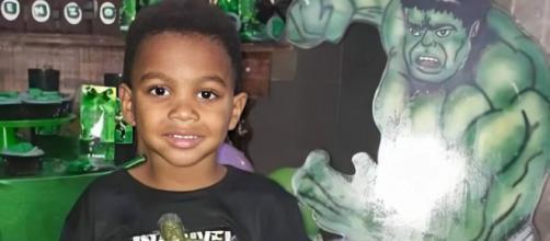 O menino Enzo dos Santos foi baleado no último domingo (6). (Reprodução/TV Globo)