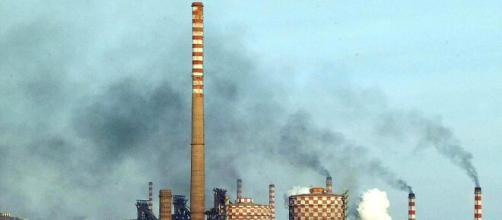 PeaceLink denuncia un aumento dell'inquinamento dovuto alla fabbrica tarantina.
