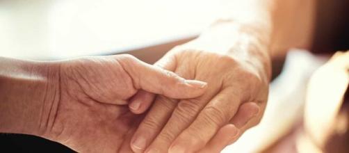 Casal morre de mãos dadas no Estados Unidos. (Arquivo Blasting News)