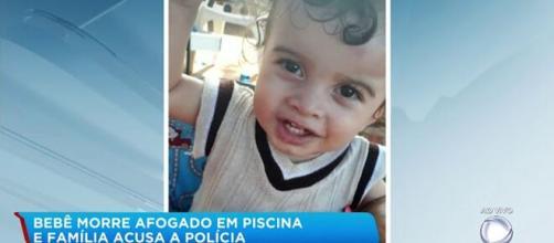 Bebê morre afogado em piscina e família acusa polícia de negligência. (Reprodução/RecordTV)