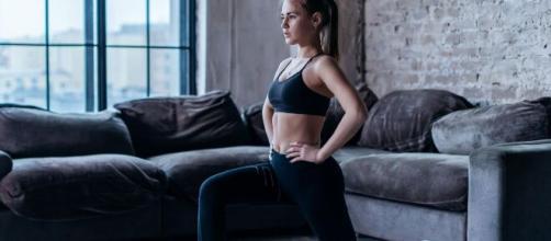 Exercícios para fazer em casa: treino para as pernas. (Arquivo Blasting News)