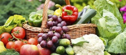 Frutas, legumes e até carnes são essenciais para combater a pressão baixa. (Arquivo Blasting News)