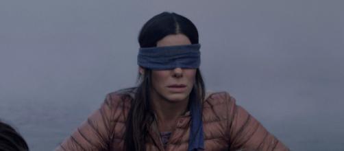 Sandra Bullock em cena de 'Bird Box', filme ganhará continuação. (Reprodução/Netflix)