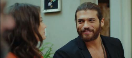 Daydreamer, anticipazioni turche: Can vuole dire a Nihat e Mevkibe di essersi fidanzato con Sanem.