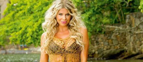 Karina Bacchi admite arrependimento de posar nua. (Arquivo Blasting News)