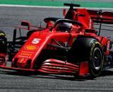 La Ferrari cerca di migliorare la SF1000 per il GP di Ungheria: l'ala anteriore confermata.