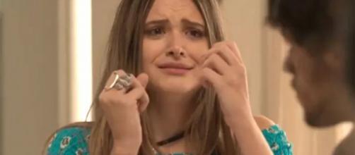 Cassandra rouba 'namorado' da irmã para dar golpe. (Arquivo Blasting News)