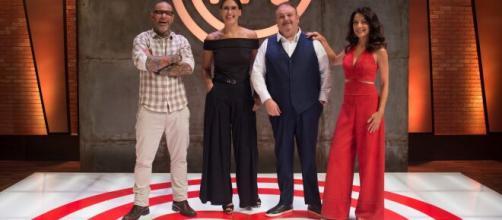 Prestes a estrear temporada, 'MasterChef' esnoba reality culinário da Globo. (Arquivo Blasting News)