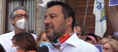 Salvini critica Conte dopo l'incontro con Angela Merkel.