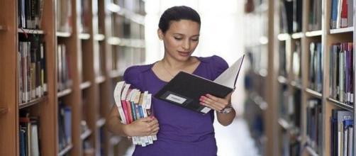 Avviso di selezione per istruttore di biblioteca.