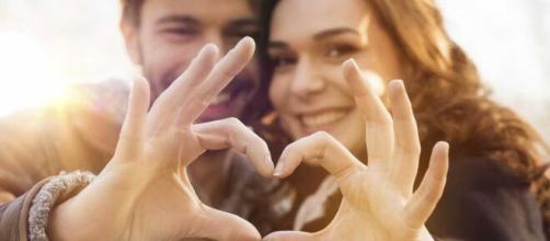 Casal que compartilha os mesmos valores, mantém uma relação mais saudável. (Arquivo Blasting News)