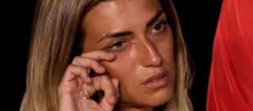 Temptation Island, puntata del 16 luglio: Valeria in lacrime: 'Non so che fare'.