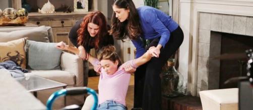 Beautiful, trame Usa: Sally segrega Flo e vuole un bambino da Wyatt.