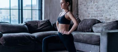 Canais fitness ensinam vários tipos de exercícios que podem te ajudar a se exercitar e sair do sedentarismo. (Arquivo Blasting News)