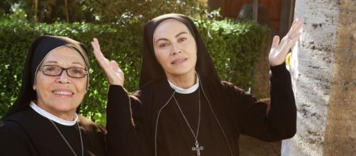 Che Dio ci aiuti 6, Elena Sofia Ricci con Valeria Fabrizi.