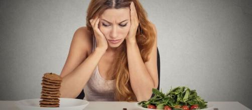 Comer antes de dormir é sempre um dilema. (Arquivo Blasting News)