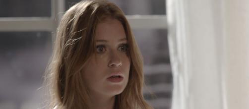 Dino tenta surpreender Eliza nua. (Arquivo Blasting News)