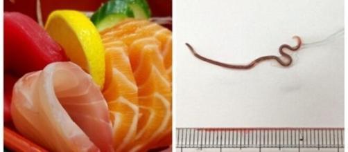 Elle trouve un ver vivant dans ses sushis - photo capture d'écran Facebook