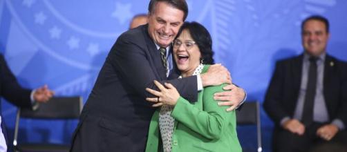 Damares e Jair Bolsonaro. (Arquivo Blasting News)