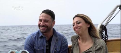 Temptation Island, una delle presunte amanti di Martello: 'Ci siamo conosciuti sui social'.