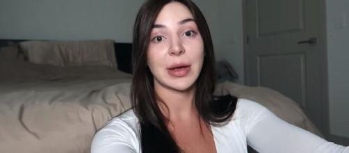 '90 Day Fiancé': Anfisa and Paola engage in an undeclared 'bikini war.' [Image Source: Anfisa/ YouTube]