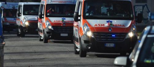 Cesena, padre e figli deceduti dopo uno scontro tra scooter e camion nei pressi di Cesanatico.