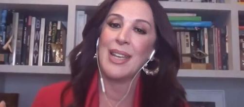 Claudia Raia afirmou que entrou na menopausa recentemente. (Reprodução/GNT)
