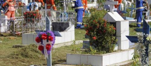 Homem desenterra corpo da avó. (Arquivo Blasting News/Cemitério Morro da Liberdade)