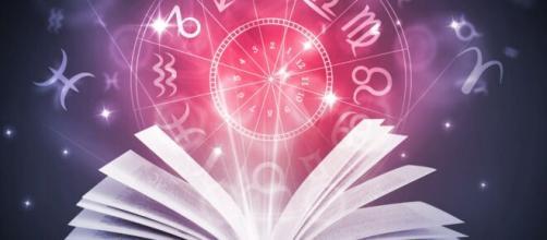 Previsioni astrologiche del 3 luglio: Ariete romantico e Sagittario innamorato.