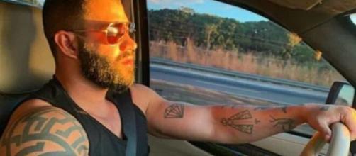 Gusttavo Lima costuma colocar fotos de seus carros nas redes sociais. (Arquivo Blasting News)