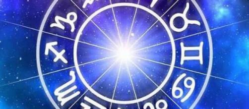 Previsioni oroscopo per la giornata di giovedì 23 luglio 2020.