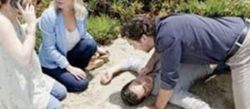 Beautiful, anticipazioni Usa: Thomas cade dalla scogliera e perde i sensi.