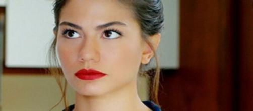 Daydreamer, spoiler del 30 luglio: la sorella di Leyla è l'autrice di una sceneggiatura.
